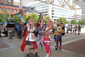 Lightning and Serah cosplay!! by chibicosplayer