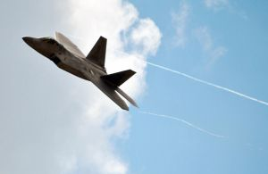 F-22 Trailing Air by fosspathei