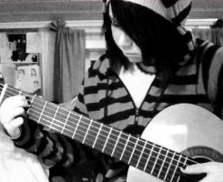 Me and my guitar by xRaggsokkenx