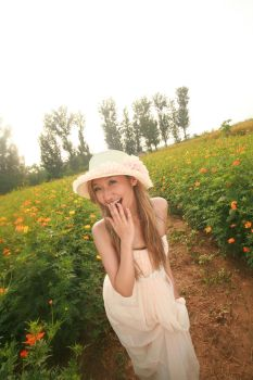 Girl in the meadow by caenerys