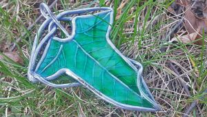 LotR Elven Leaf Brooch (Tutorial Video) by NerdEcrafter