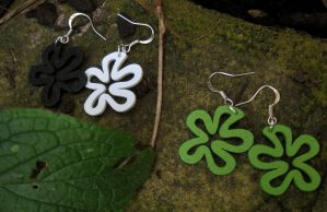 Wooden earrings (Green) (Black and white) by StregattaPuponzi
