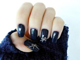 Simple Bow Nail Art by DancingGinger
