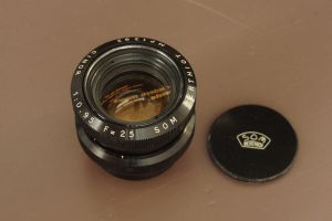 Som Berthiot 25mm f/0.95 by TLO-Photography