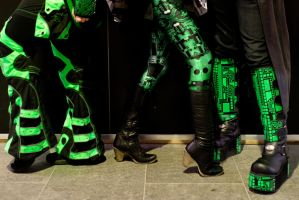 Green And Black by RunLikeATortus