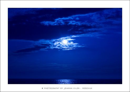 blue sea by redesiuk
