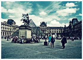 Musee du Louvre by edhall