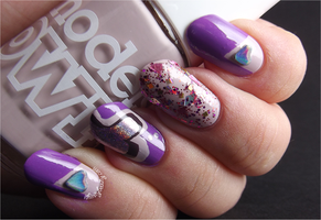 Holographic Love Nails by Ithfifi