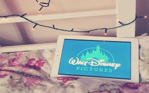 wallpaper walt disney by Analaurasam