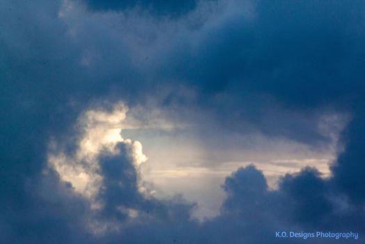 Clouds 4 by kyofanatic1