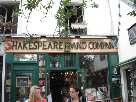 Shakespeare and Co. by MoonlitTraitor