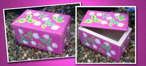Daisy trinket box by Freds-head