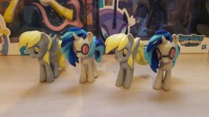My Little Pony - figures of Derpy and Vinyl by cedricc666