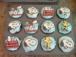 Snoopy Cupcakes by Sirquo