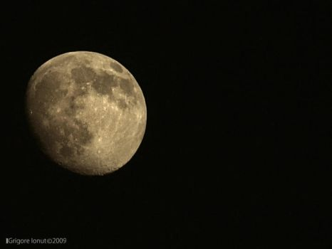 To the moon by MWPHOTO