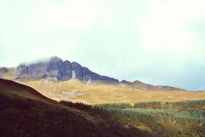 Old man of Storr by sacadura