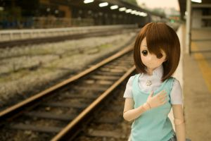 Yui waiting for train by TanshinKun