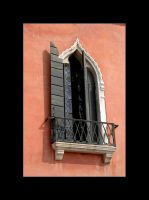 Venice window by Der-Funf