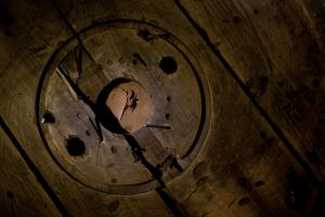 Light Painted Old Wood Lid by designerfied