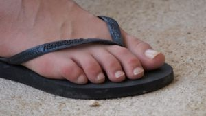 Perfect Toes in Black Flip Flop by Feetatjoes