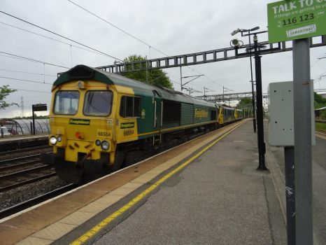 Fl 66 554, 90 046 and 90 049 at Rugeley T. V. by BoomSonic514