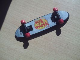 Mini PnF skate 2 by kuria7