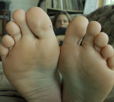Tiny Bro on Sister's Big Toe! by GT647