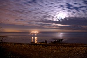 Night time at Shanklin by aaronius
