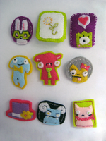 felt brooches pins batch 1 by gurliebot