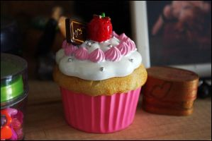 CupCake II by LeSuicideDeLaMouche