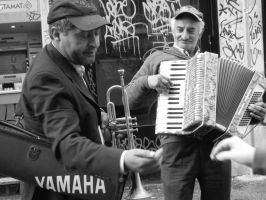 2 street musicians by altergromit