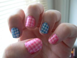 Pink and Blue Houndstooth by liloved1