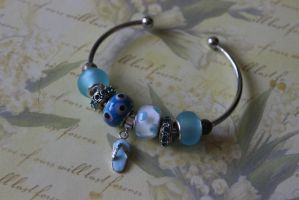 Beach Bangle by Dellessanna