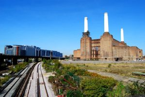 Battersea Power Station by angelwillz
