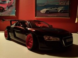 Custom model. Pinky's R8 by Mennorino
