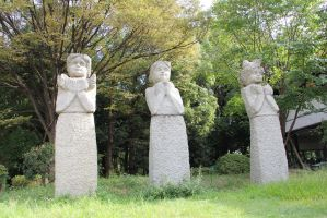Three Statues :) by yogz13