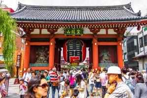 Hot days in Asakusa by DonChuleo