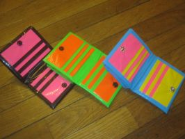 Duck tape wallets by recycledrapunzel