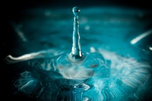 Water Droplet experiment 1 by DanielGliese