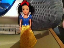 Simba Snow White Doll with shiny skirt by SweetHea