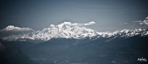 Mont Blanc at midday by rdalpes