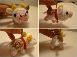 Crochet Baby Cow Cell Charm by katrivsor