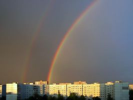 Double Rainbow over Cityscape by IVV79