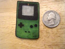 gameboy color necklace by pnuewave