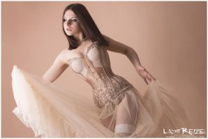 dancer by LichtReize