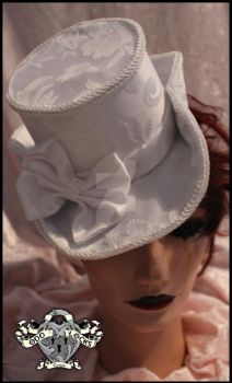 Vanessa Hat in White Brocade by chaotics