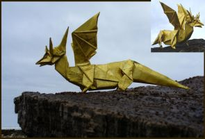 Golden dragon - Dragon dorado. by Figuer