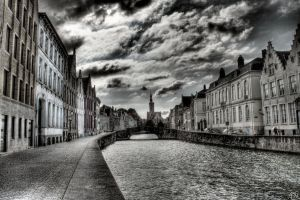 Haunted City, Brugge HDR by AyseSelen