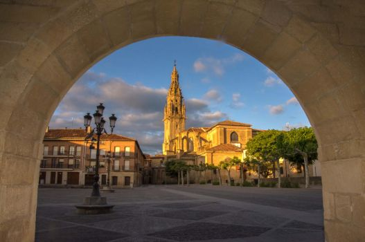 La Iglesia de Santo Domingo by TerribleTer