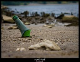 message in a bottle.. by andreasbf
